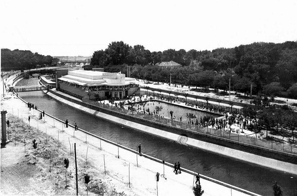 Racionalismo madrile o las piscinas urban idade for Piscina playa de madrid