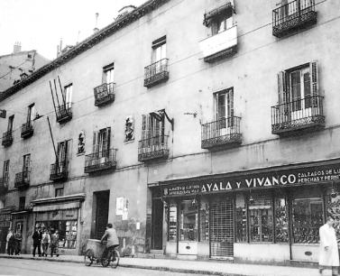 palacio-duque-de-lerma_calle-san-bernardo_1954_small.jpg