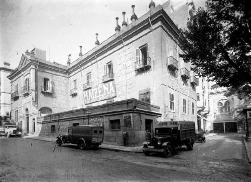 casa-de-las-siete-chimeneas_plaza-del-rey_1940