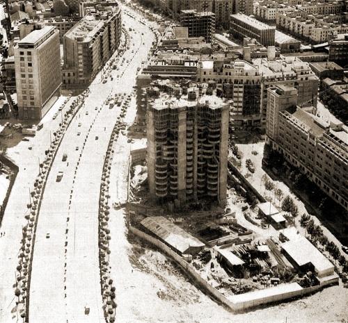 Torres Blancas 1965
