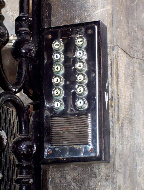 telefonillo antiguo
