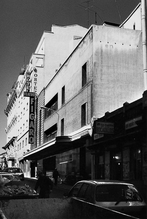 Teatro_figaro_1990