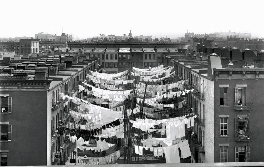 Manhattan tenements 1900-small