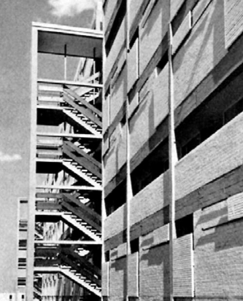 Caño Roto caja de escaleras exterior
