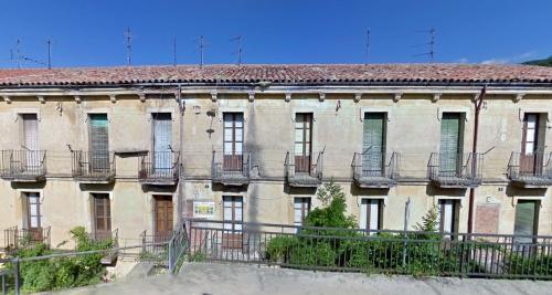 Colonia Llaudet, viviendas deshabitadas. (Foto: Google, 2009)